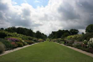 This is around the same time when I first saw the Herbaceous Boarder at Wisley.